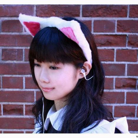 cat-ear-earphone